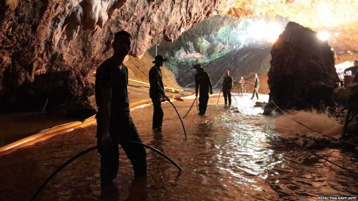 Як діти потрапили в печеру в Таїланді та як їх врятували