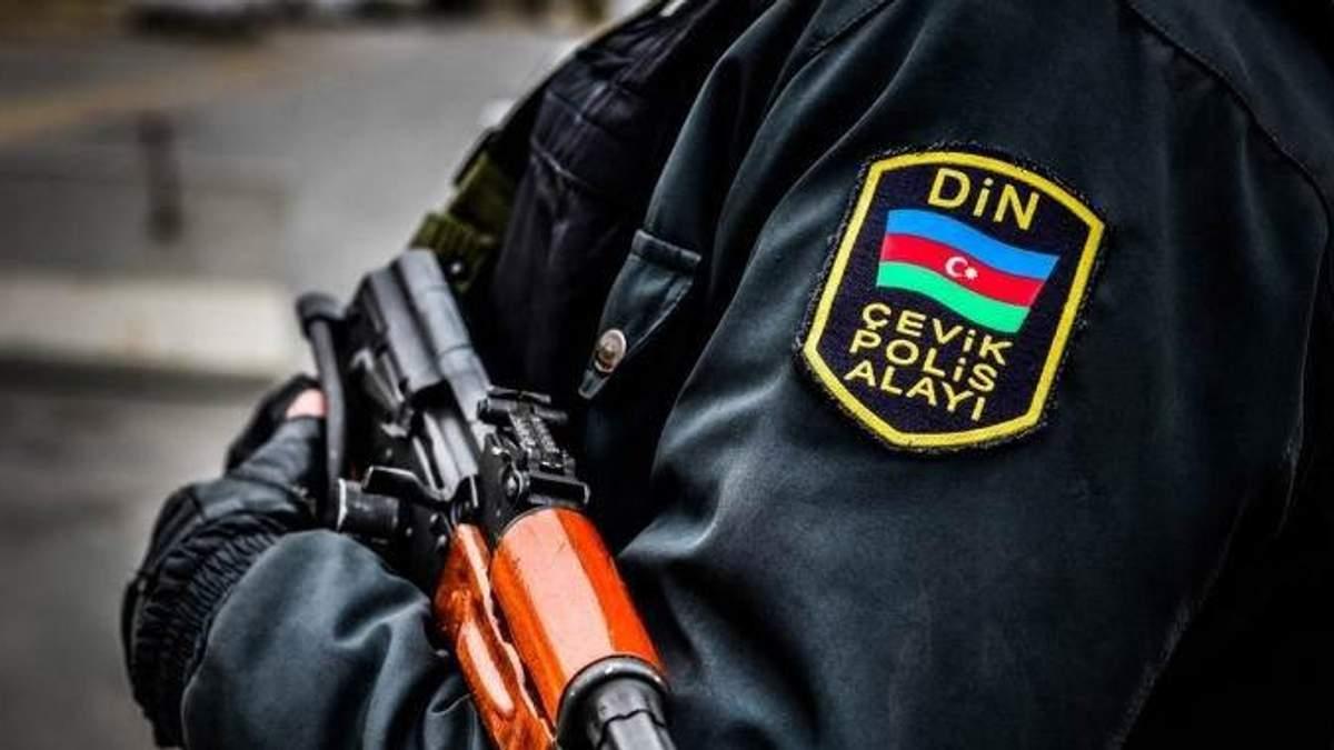 Во время массовых протестов в Азербайджане убили двух полицейских