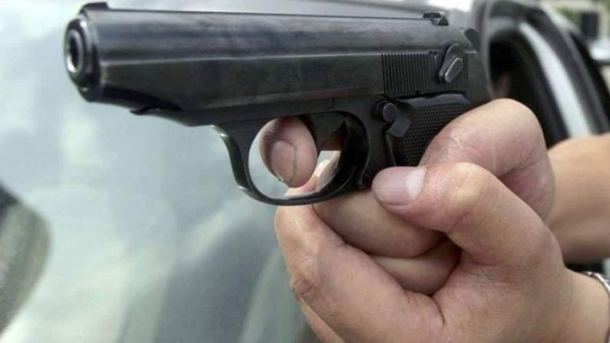 В Одессе мужчина устроил стрельбу по людям