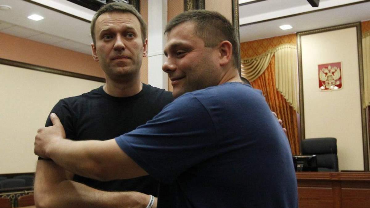 Осужденный вместе с Навальным Офицеров умер в результате эпилептического удара, – медики