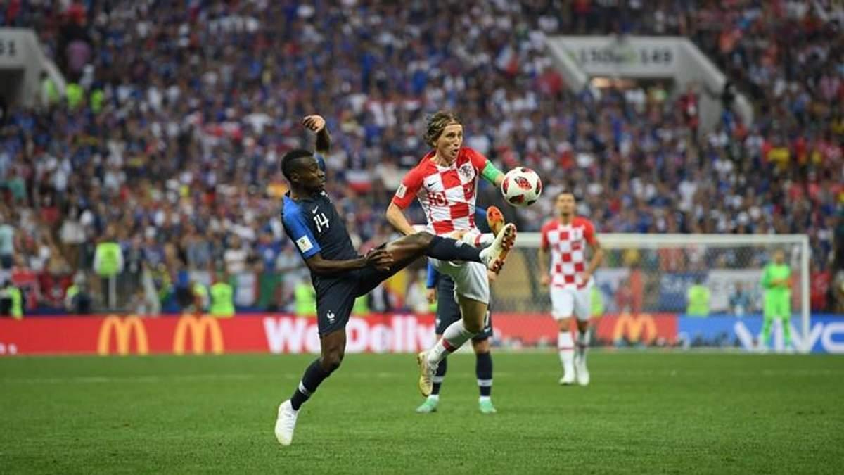 Матч между сборными Хорватии и Франции прервали участники Pussy Riot