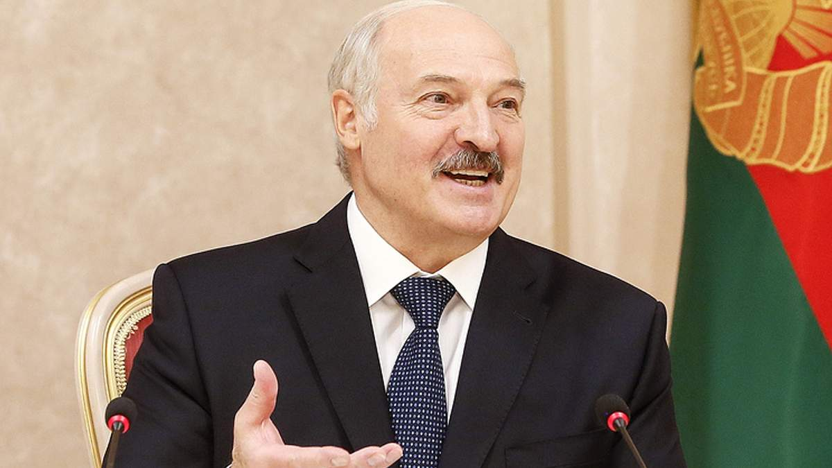 Лукашенко жартівливо прокоментував чутки про інсульт