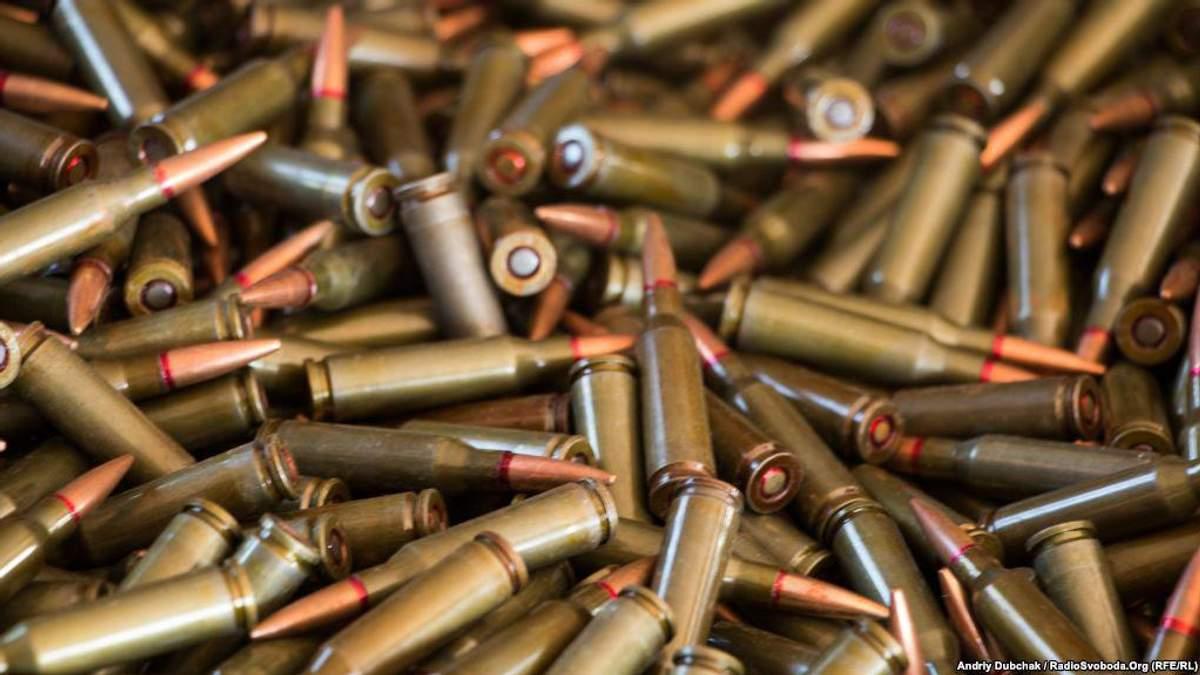 На українсько-польському кордоні вилучили велику партію зброї