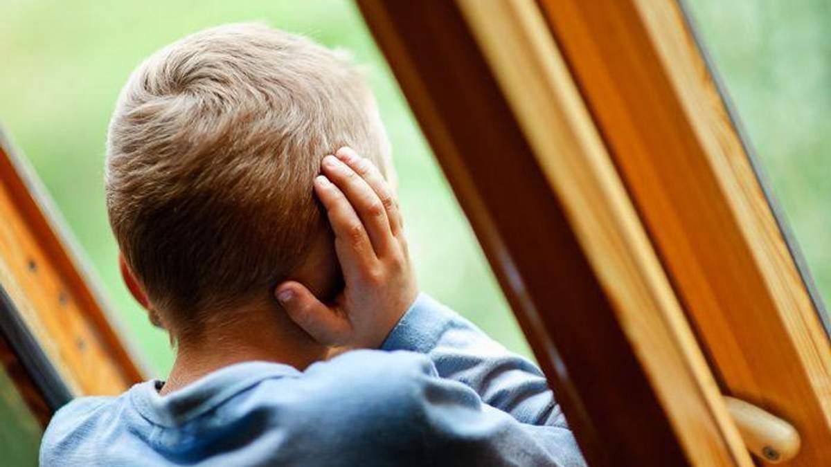 12-річний хлопчина вистрибнув з вікна 3 поверху рятуючись від пожежі