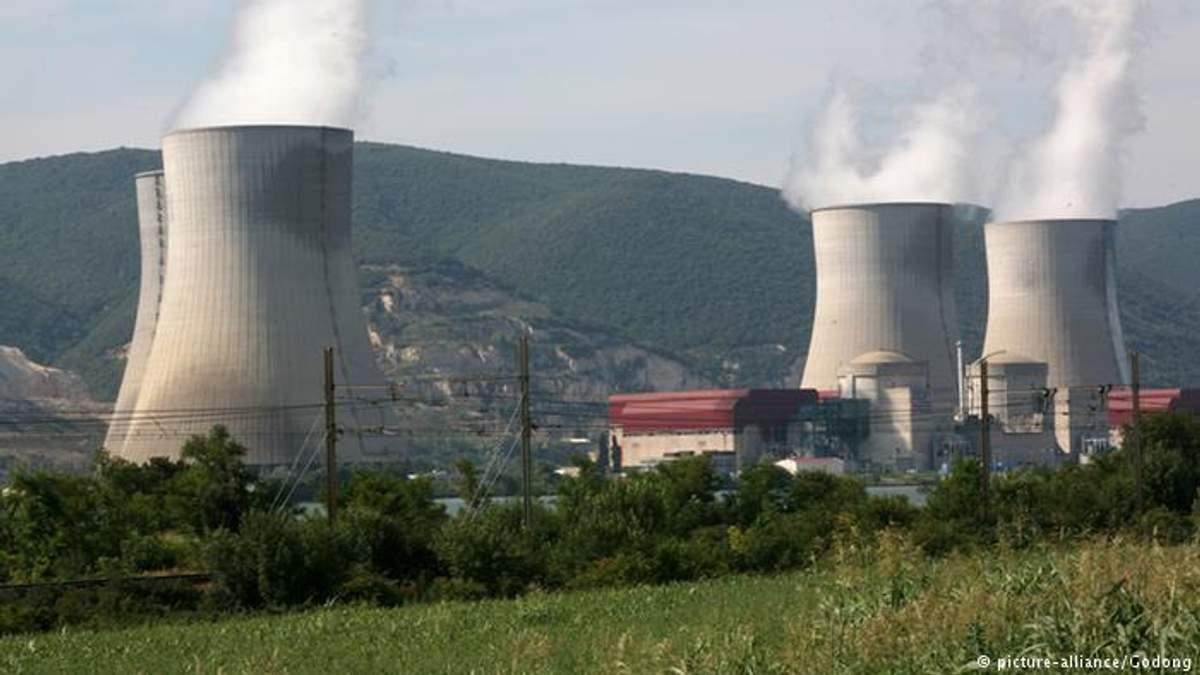 У Франції відключили реактори АЕС через спеку