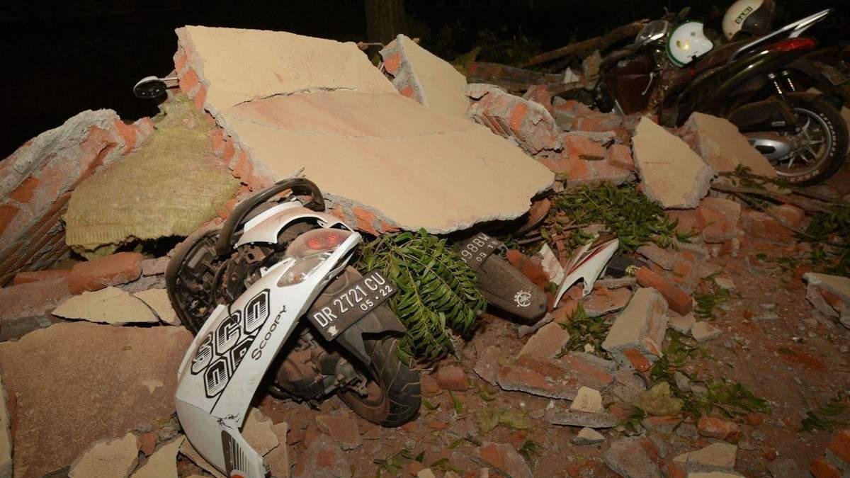 По меньшей мере 39 человек погибли в результате землетрясения в Индонезии