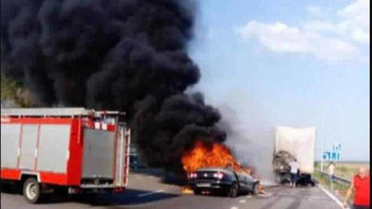 ДТП в Киеве: водителя не успели вытащить и он сгорел заживо