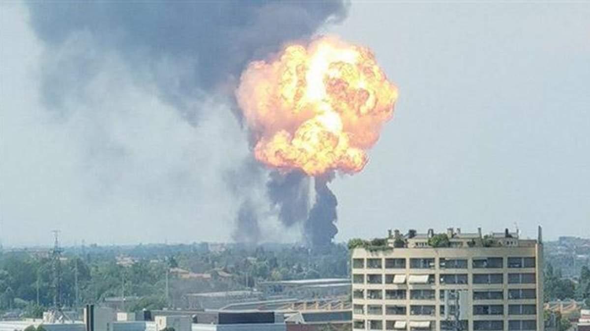 Вибух в аеропорту Болоньї - відео з місця вибуху і фото
