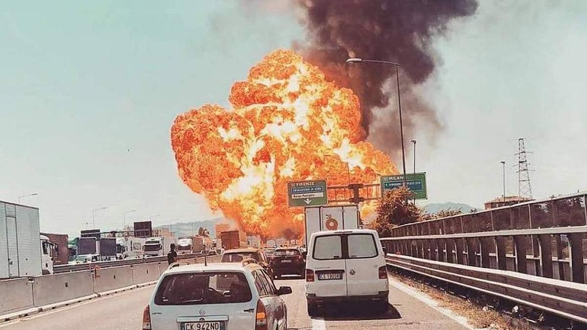 Під час вибуху в Болоньї постраждали 20 осіб