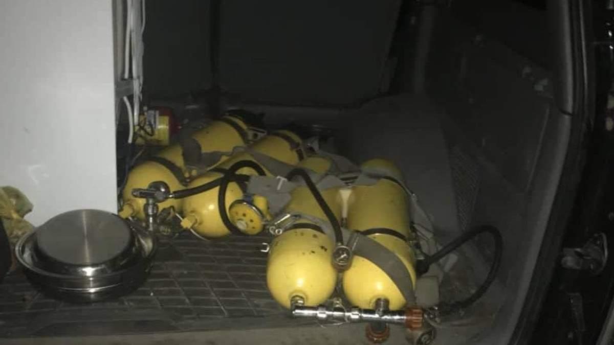Громадянин Молдови перевозив радіаційні акваланги