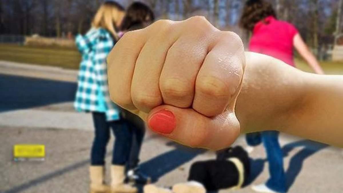 Девушки-школьницы, избившие свою ровесницу в Одессе, на этом не остановились