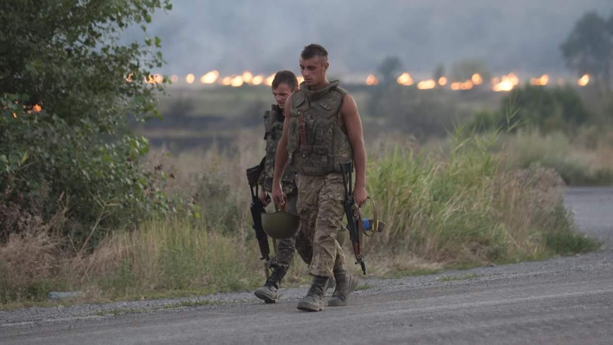 """Муженко не исключает, что в штурме Иловайска были заинтересованы """"определенные политики и бизнесмены"""""""