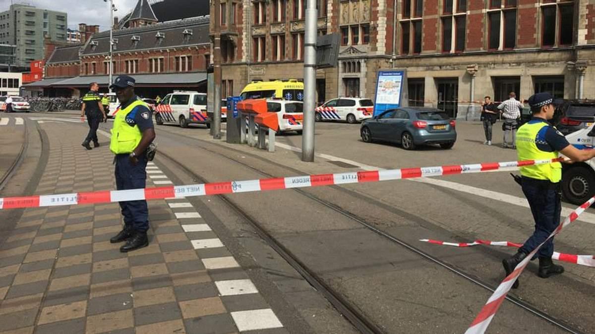 Нападение с ножом на вокзале Амстердама совершил 19-летний афганец: новые подробности