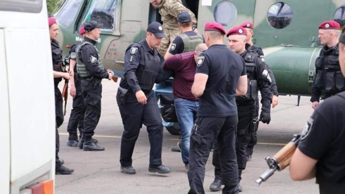 Дело налоговиков Клименко не передают в суд: детали