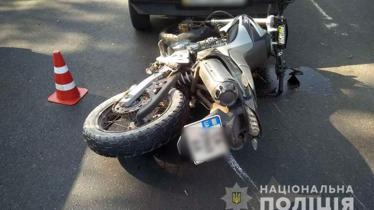 У Краматорську мотоцикліст збив дитину та врізався в авто
