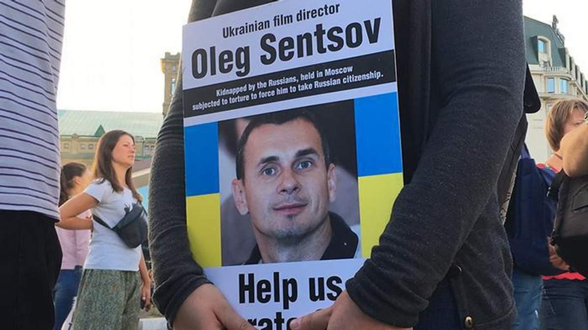 Вполне здоровый – под капельницей: в России прокомментировали состояние Олега Сенцова
