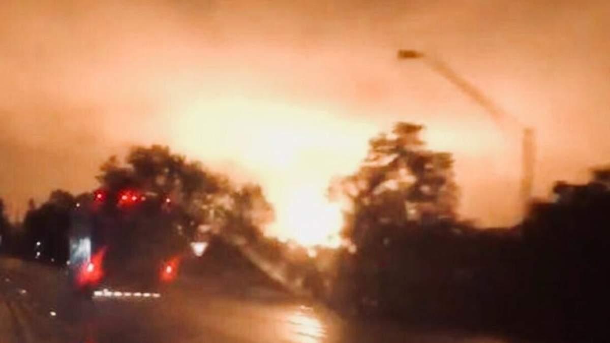У США стався потужний вибух на газопроводі: у небо піднявся помаранчевий стовп вогню