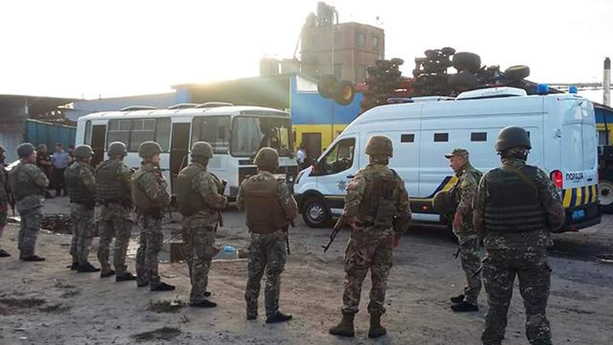 Столкновения с рейдерами на Харьковщине: полиция задержала участников конфликта