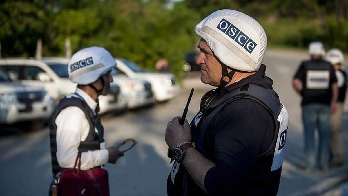Представник ОБСЄ зустрівся з українськими полоненими на Донбасі