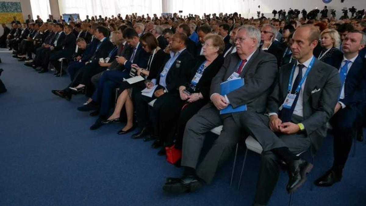 Боротьба з втручанням Кремля, пропагандою та розпалюванням ворожнечі: підсумки дня на форумі YES