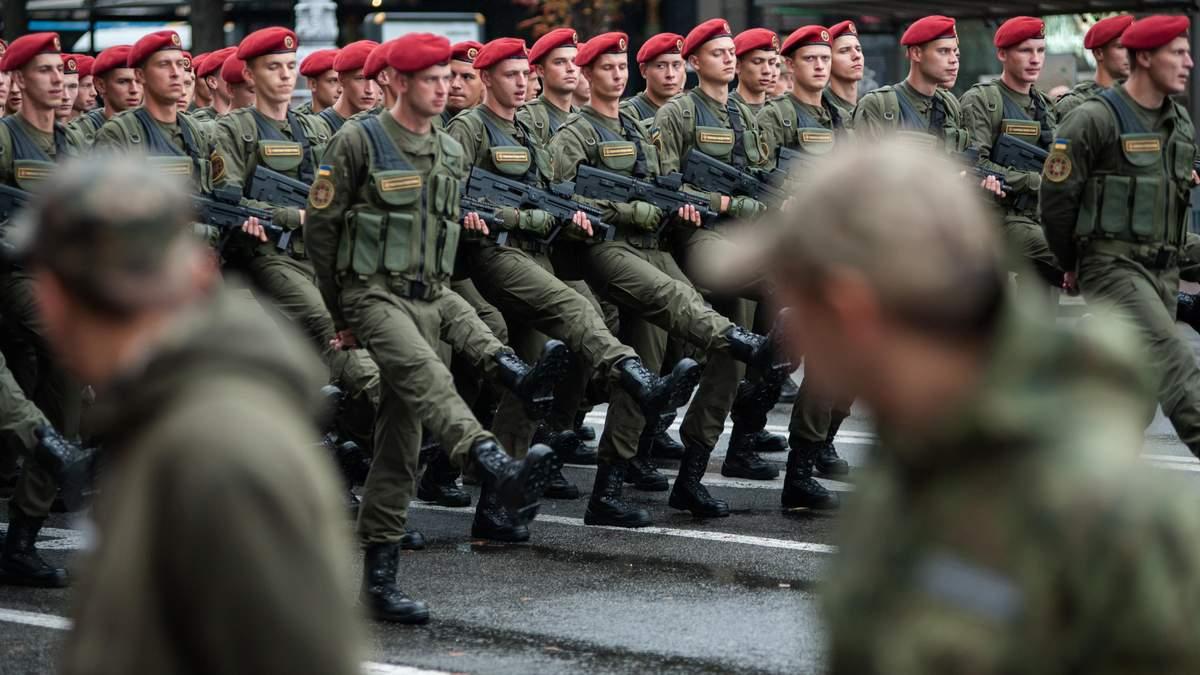 Українські військові отримуватимуть більше у 2019 році