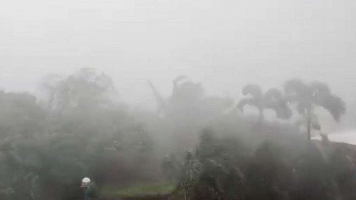 На Філіппінах вирує потужний тайфун: жахливі фото стихії