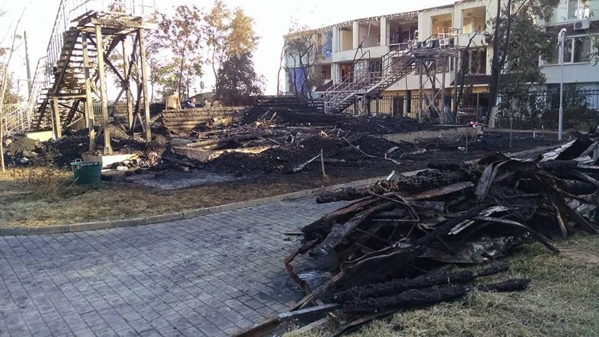 """Пожежа у таборі """"Вікторія"""": роковини трагедії і зневіра батьків загиблих"""