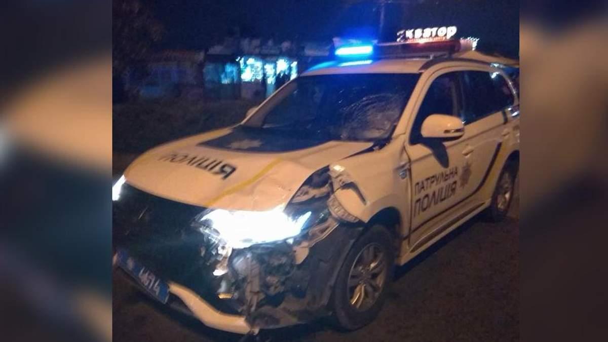 """Врач """"скорой"""" приехал на вызов пьяным: детали ДТП в Черновцах с участием полиции"""