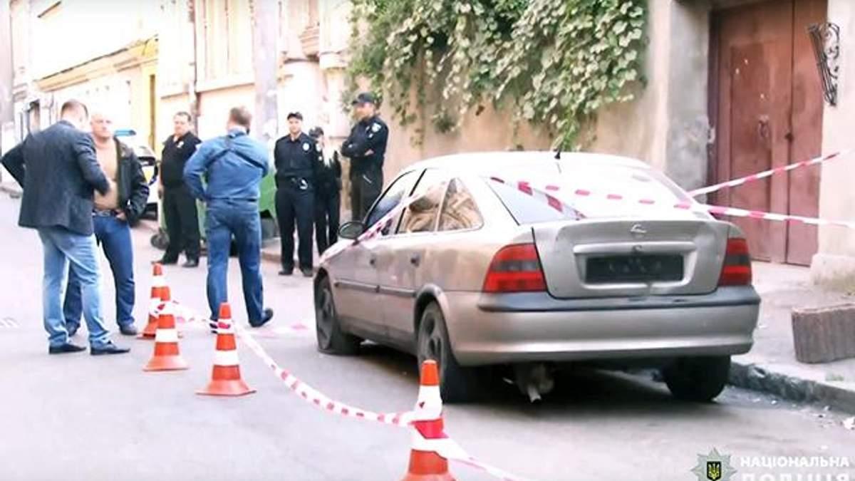 В Одесі спіймали грабіжників, які зі зброєю напали на інкасаторів: відео