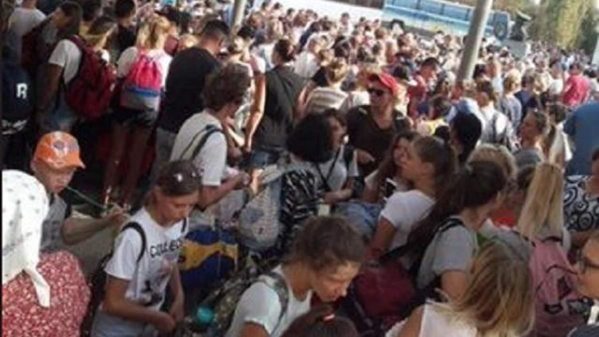 Химвыброс в оккупированном Крыму: детей Армянска возвращают домой
