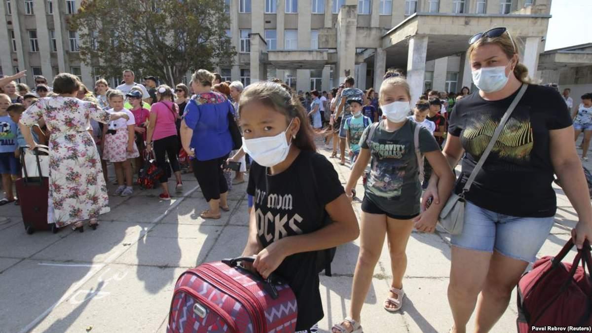 Хімвикид в Армянську: окупанти розповіли, коли відправлять дітей до школи