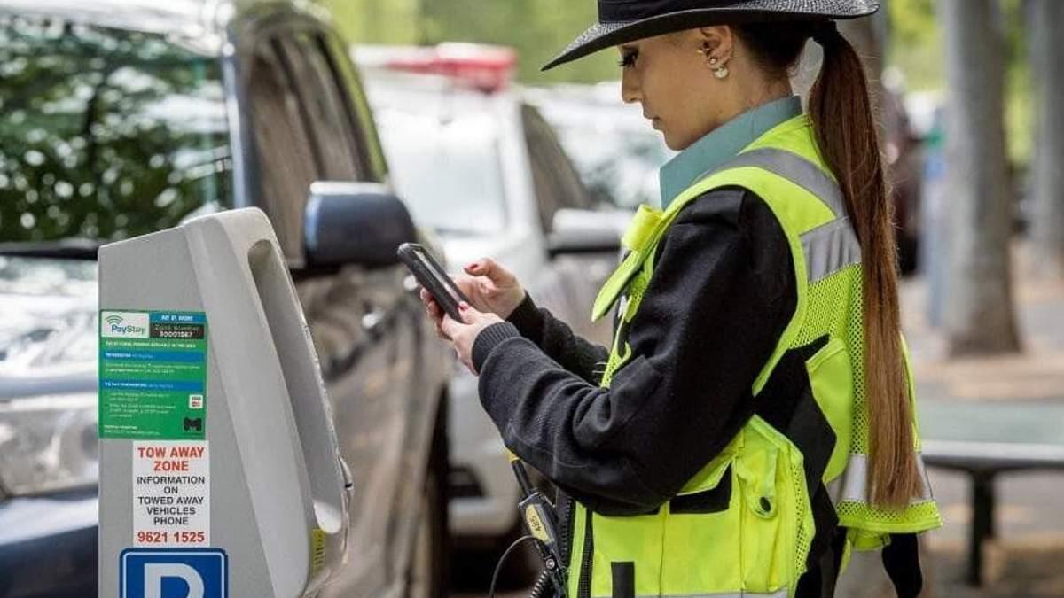 Инспекторы по парковке – темные лошадки, – юрист