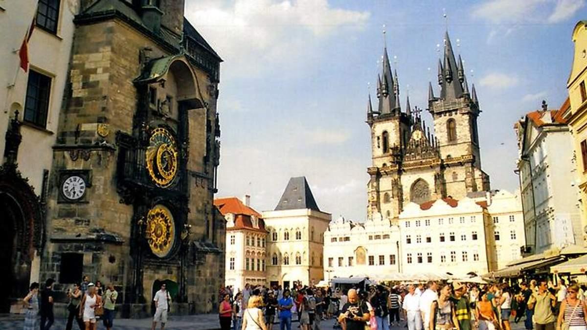 Він знову запрацює: у Празі відремонтували один із найкрасивіших годинників світу