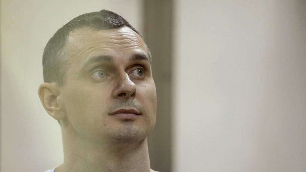 Сенцова повезли до лікарні: відомі деталі
