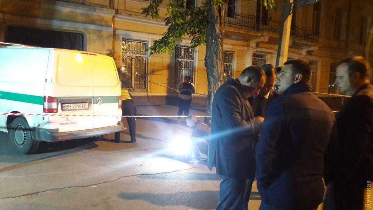 В Одессе со стрельбой ограбили инкассаторов на крупную сумму: фото и видео