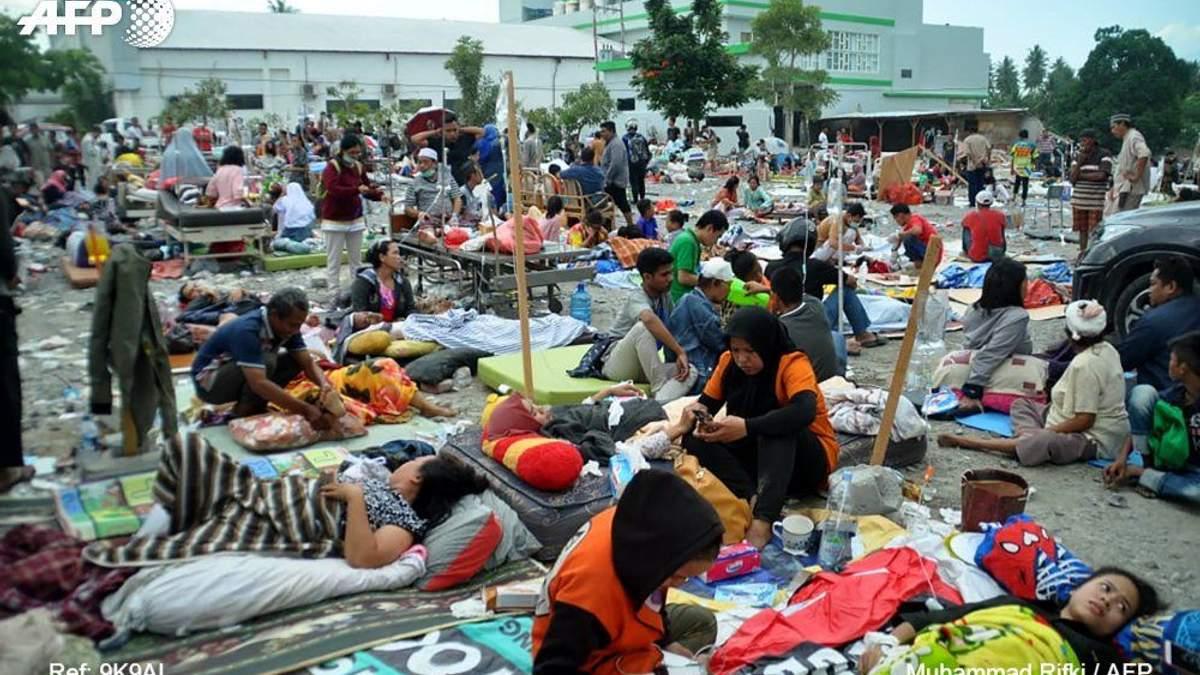 Землетрясение и цунами в Индонезии унесли жизни почти 400 человек: фото и видео 18+