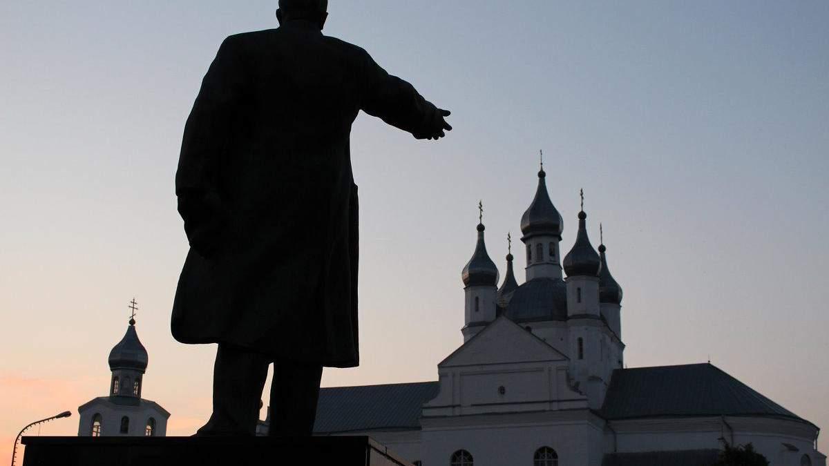 """Предстоятель Свято-Успенской Почаевской Лавры обратился к верующим в связи с """"угрозой"""", которую содержит в себе томос"""