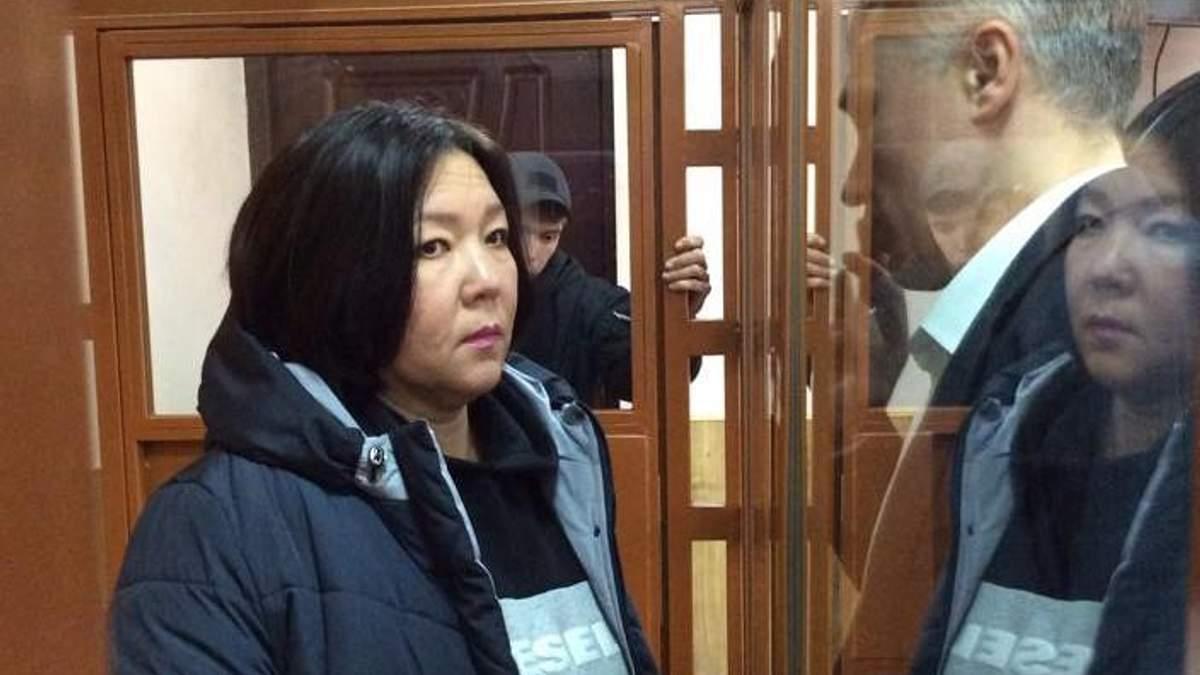 Україна прихистила казахську журналістку, яку переслідували на батьківщині