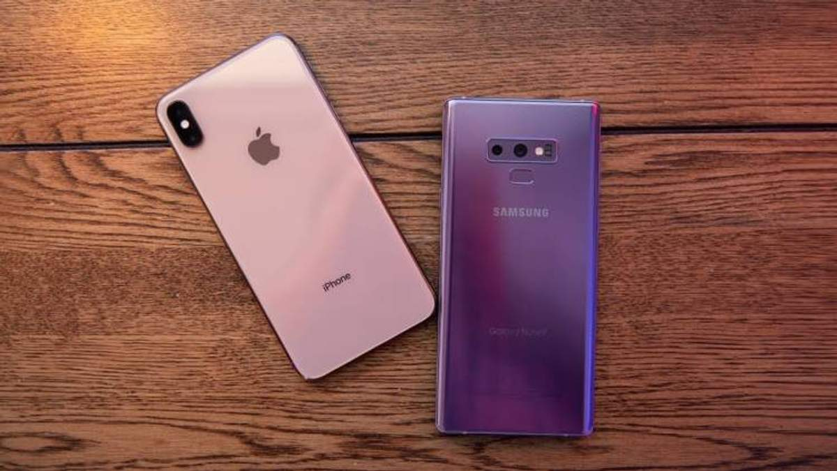 Samsung Galaxy Note 9 или iPhone XS Max