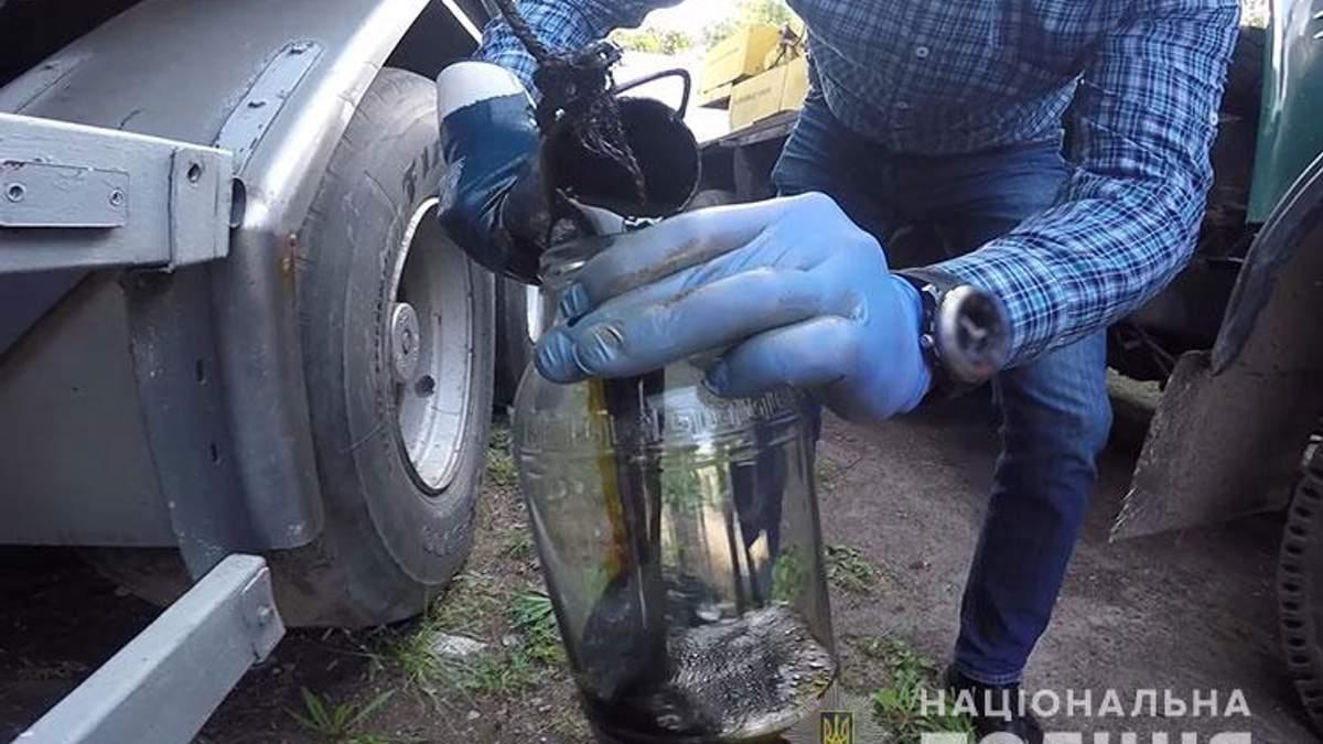 На Дніпропетровщині поліція ліквідувала незаконний нафтопереробний завод