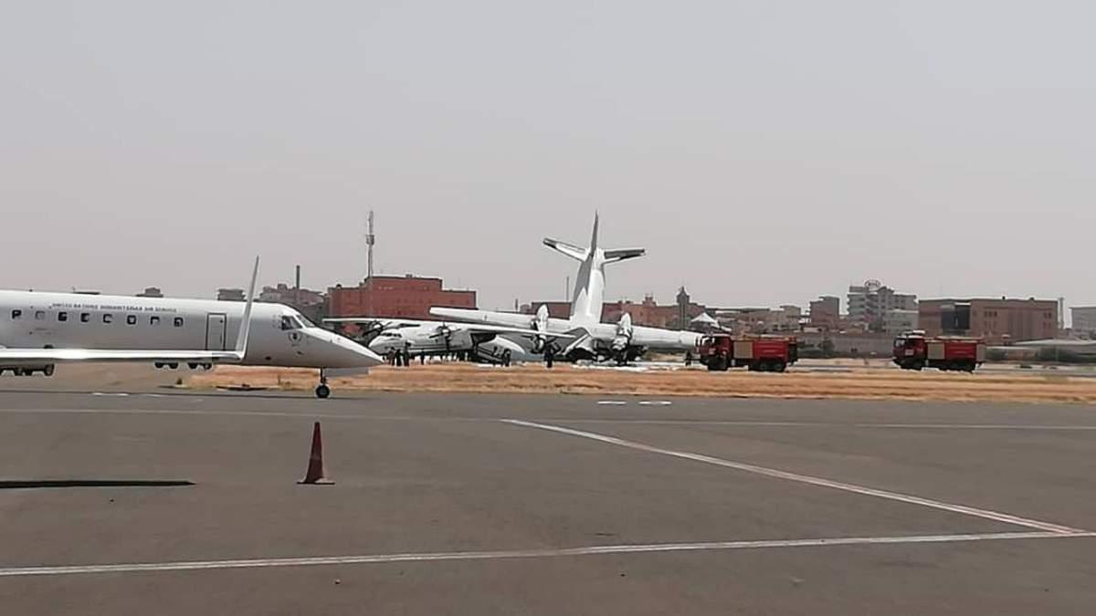В Судане в аэропорту столкнулись военные самолеты Антонова