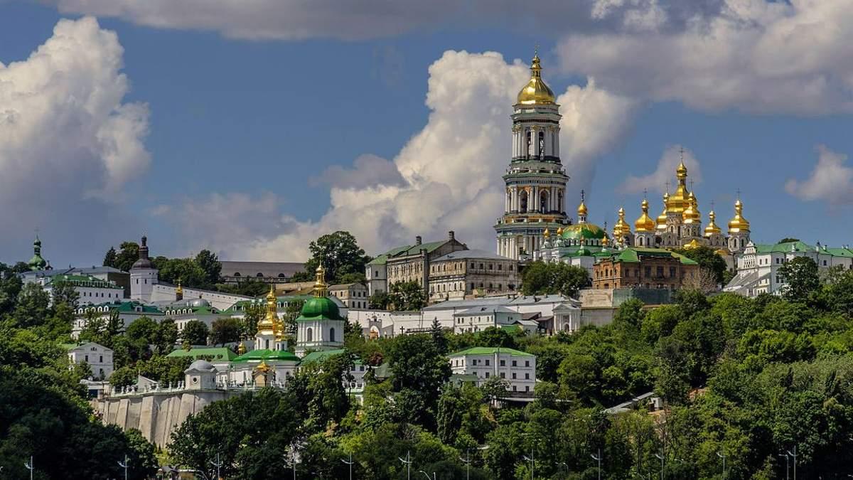 Києво-Печерська та Почаївська лаври належать Українській державі