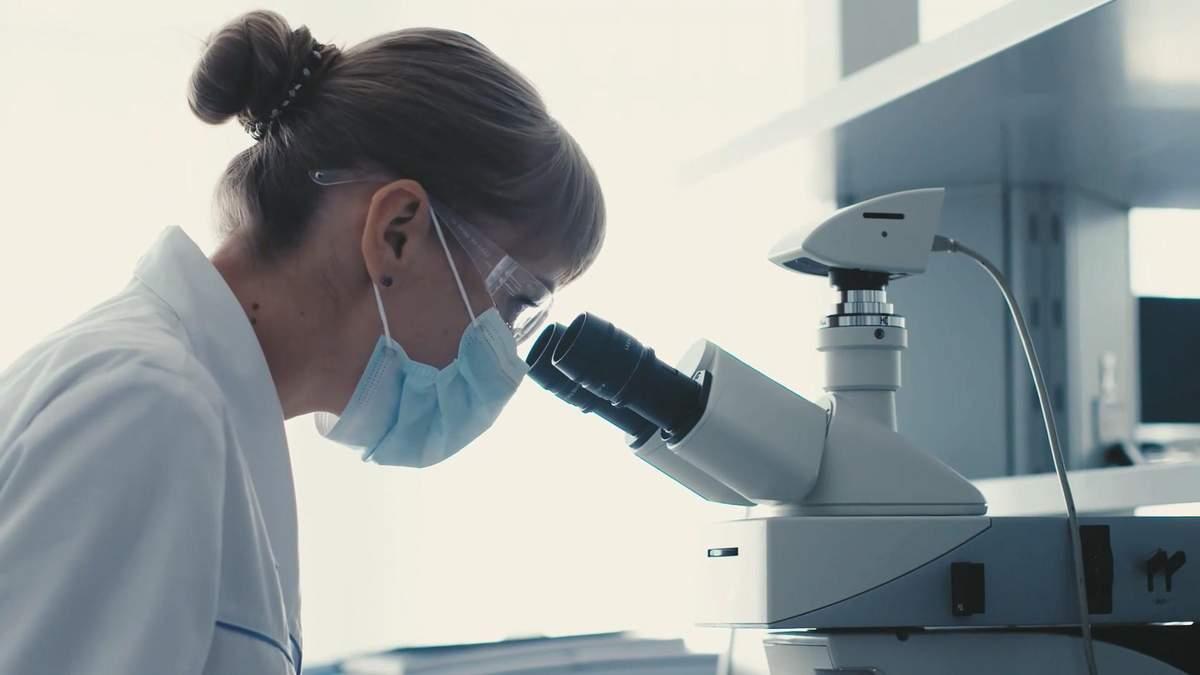 """Як """"Фармак"""" досліджує і перевіряє ліки, щоб вони були і ефективними, і безпечними"""