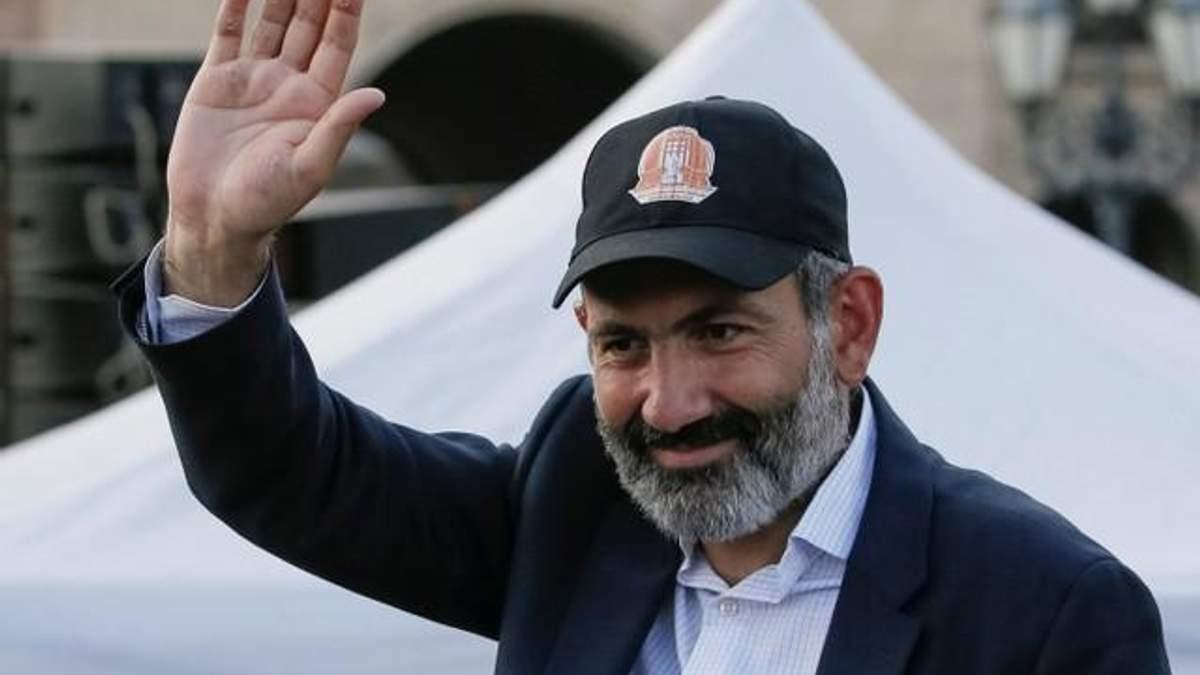 Революційний прем'єр Вірменії Пашинян оголосив про відставку: відома причина