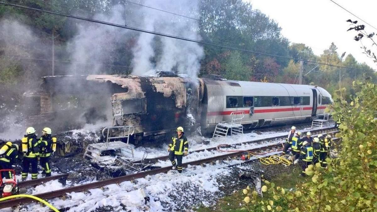 В Германии во время движения загорелся поезд