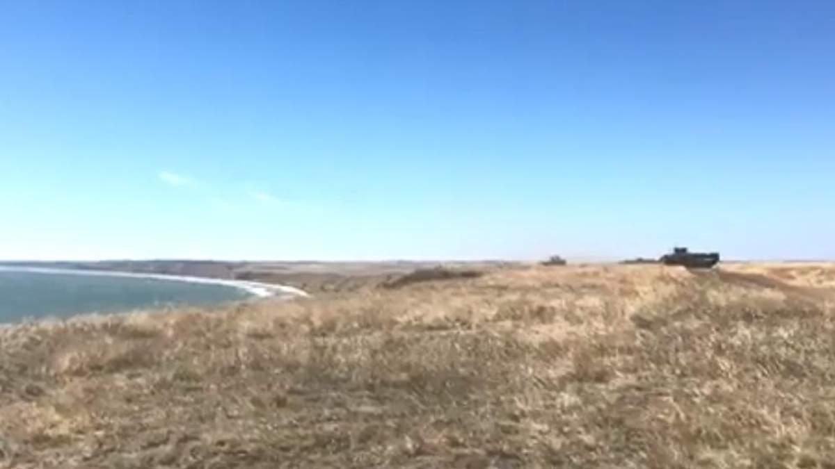 Україна продемонструвала готовність дати відсіч Росії на Азові: яскраві відео