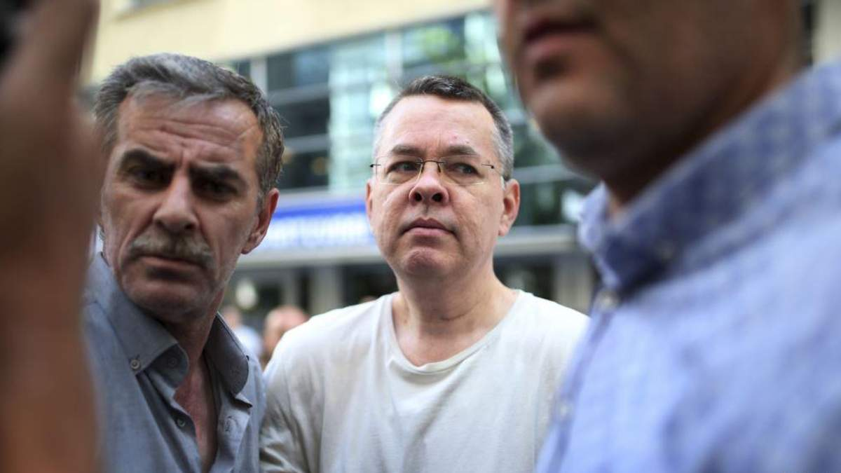 Суд Туреччини звільнив американського пастора Ендрю Брансона