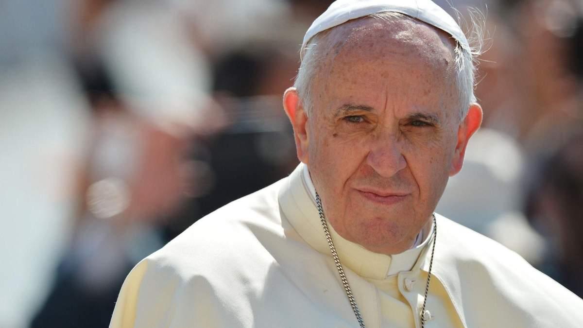 Папа Римський позбавив сану двох єпископів через звинувачення у педофілії