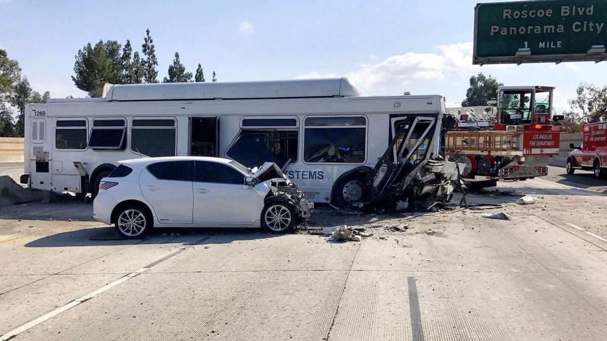 В результате ДТП в Калифорнии пострадали 40 человек