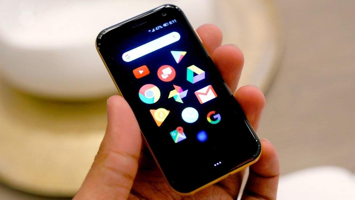Миниатюрный смартфон Palm
